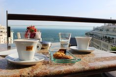Αποτέλεσμα εικόνας για couples morning coffee to thessaloniki