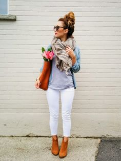 La Petite Noob: OOTD - White Jeans for Fall + Aritzia Blanket Scarf