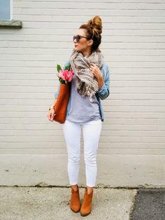 La Petite Noob: OOTD - White Jeans for Fall + Aritzia Blanket Scarf