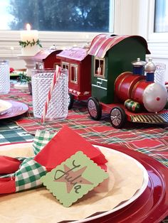 Bolas de Navidad caseras • Celebra con Ana Stranger Things, Christmas Ornaments, Party, Shabby Chic, Couture, Design, Christmas Tabletop, Italy Party, Toy Rooms
