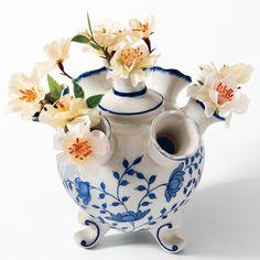 Scenic Oval Blue and White Porcelain Planter Porcelain Ceramics, White Ceramics, Porcelain Tiles, Ceramic Flower Pots, Vase Shapes, Flower Frog, Vintage Vases, White Porcelain, Painted Porcelain