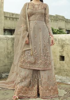 Anarkali Gown, Lehenga Choli, Anarkali Suits, Pakistani Sharara, Sharara Suit, Salwar Kameez, Kurti, Designer Salwar Suits, Designer Dresses