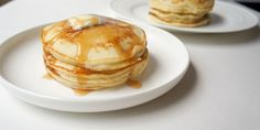 The best pancakes for two recipe (or single serving pancake recipe if you love these as much as I do! These are fluffy, thick, slightly sweet, quick and easy in under 10 minutes. The perfect thing to wake up to! Pancakes For Two, Pancakes Easy, Fluffy Pancakes, Fluffiest Pancakes, 21 Day Fix Breakfast, Savory Breakfast, Breakfast Recipes, Breakfast Ideas, Breakfast Casserole