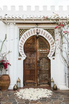 This Korakia Pensione Wedding is Full of Palm Springs Vacation Vibes Persian Decor, Morrocan Doors, Renewal Wedding, Spanish Wedding, Spring Vacation, Gowns Of Elegance, Elegant Gowns, Interior Exterior, Exterior Design