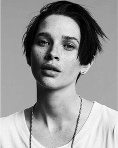 Blow models | Sara Cummings