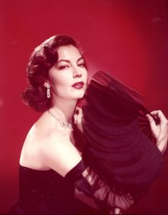 The Nifty Fifties: Photo 50s Glamour, Hollywood Glamour, Classic Hollywood, Old Hollywood, Hollywood Style, Ava Gardener, The Sun Also Rises, Lauren Cohan, Star Wars