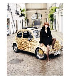 wow this car is amazing :)Fiat  500 in leopardskin...love