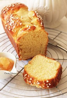 brioche moelleuse Cooking Chef, Batch Cooking, Croissants, Cream Cheese Spreads, Sweet Bread, Bread Baking, I Love Food, Yummy Treats, Baking Recipes