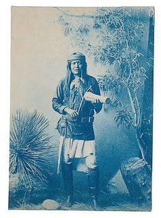 Скаут Апачей из Резервации Сан Карлос Аризона
