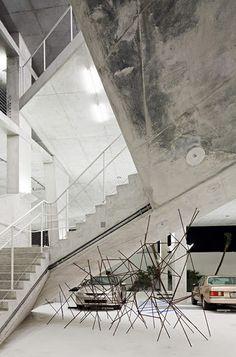 1111 Lincoln Road Parking by Herzog & de Meuron (Miami, Florida, USA) Space Architecture, Amazing Architecture, Contemporary Architecture, Architecture Details, Jacques Herzog, Lincoln Road, Concrete Interiors, Concrete Stairs, Arch Interior