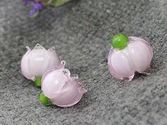 Handmade lampwork perles set - set de 3 perles de verre, muguet, perles de verre, Murano floral, Perles Murano, Murano fleur  La main bijoux fleur en perles - lot de 3 perles en verre de Murano, muguet, belle fleur. Chaque perle fleur de Murano est individuel fabriqués à la main et aucun deux ne se ressemblent  Perle de Murano Verre fleur muguet peut être utilisé pour le bracelet, collier, pendentif. Murano Verre muguet rendent vos bijoux uniques. Handmade lampwork perles magnifiques…