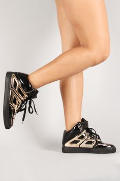 Metallic Lace Up Round Toe Sneaker