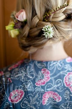 loving this braided wedding hair! we also can't get enough of this plum pretty sugar robe http://store.plumprettysugar.com/
