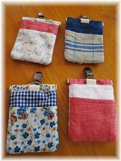 usiro バネ口金を使った移動ポケット。 Hobonichi, Pot Holders, Needlework, Diy And Crafts, Coin Purse, Pouch, Purses, Fabric, Japanese Bags