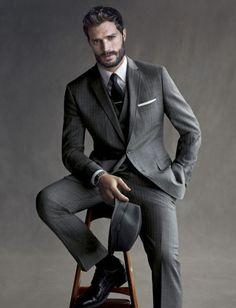 Grey pinstripe suit my style mad men fashion, fashion и mens fashion:cat. Jamie Dornan, Gentleman Mode, Gentleman Style, Dapper Gentleman, Corporate Portrait, Business Portrait, Male Models Poses, Male Poses, Guy Models
