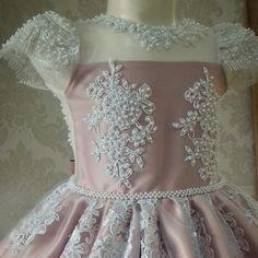 Fashion Kids, Tutu Azul, Glamour, Girls Dresses, Victorian, Bride, Princess, Dress Girl, Luxury Dress
