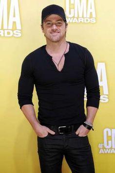 Kip Moore at the 2012 CMA Awards