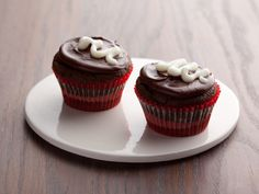 Devil's Food Cupcakes with Chocolate Icing Recipe : Ellie Krieger : Food Network - FoodNetwork.com