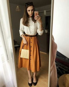 Langes Rock-Outfit Source by The post Langes Rock-Outfit appeared first on Kunex. Boho Outfits, Vintage Outfits, Fall Outfits, Denim Outfits, Church Outfits, Modest Dresses, Modest Outfits, Modest Fashion, Simple Dresses