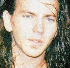 Eddie Vedder, so young, love love me some Pearl Jam. Brings me back:)