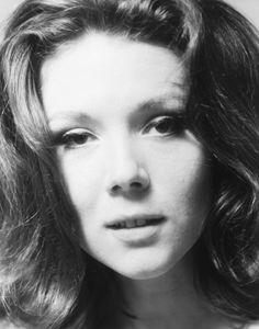 Mention the name of Diana Rigg (born July to most people and they conjure up a picture of the sexy, leather clad agent, Emma Peel of the Avengers The Avengers, The Original Avengers, Avengers Series, Female Actresses, English Actresses, British Actresses, Hollywood Actresses, Divas, Diana Riggs