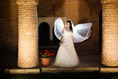 photo session with the bride at the castle