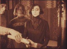 Szene mit Asta Nielsen (Einzelbild aus Nitro-Original)