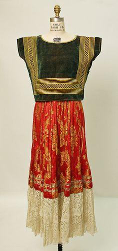 Tehuantepec, vestido tipico - Mexico.