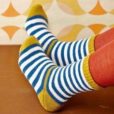 SoxxBook by Stine & Stitch – Knitting Crochet Knitting Socks, Free Knitting, Baby Knitting, Knitting Patterns, Crochet Patterns, Patterned Socks, Colorful Socks, Baby Socks, Stockinette