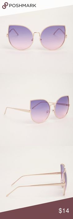 🐾 Oversized ombré extreme cat eye sunglasses Brand new with tags, Torrid oversized extreme cat eye sunglasses. Gold frames with purple/pink ombré lens. Bundle and save! torrid Accessories Sunglasses