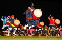秋夜沸かす6青年会合同演舞 うるまエイサー | 沖縄タイムス+プラス