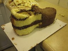 Cakes and Cookies by Andrea: How to make a Running Shoe cake
