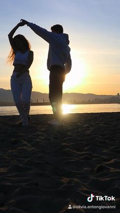 No better feeling than dancing with your soulmate on the beach at sunrise. Cute Couple Videos, Cute Love Couple, Cute Love Songs, Cute Couple Pictures, Cute Couple Dancing, Couple Aesthetic, Aesthetic Movies, Aesthetic Videos, Couple Goals Relationships