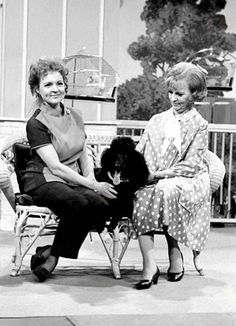 "HAPPY 99th BIRTHDAY, BETTY WHITE! Here is a pic of Agnes Moorehead on Betty's show ""The Pet Set"" which aired on June 23, 1971. I found this pic on aggie-obsessed.tumblr.com, which all you Aggie fans will love! Posted Jan. 17, 2021 Bewitched Cast, Bewitched Elizabeth Montgomery, Erin Murphy, Old Hollywood Actresses, Agnes Moorehead, Betty White, Guinness World, Lady Diana Spencer, Golden Age Of Hollywood"