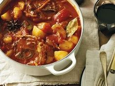 Tamatiebredie Kos, Curry, Dinner Recipes, Afrikaans, Ethnic Recipes, Curries, Aries, Supper Recipes, Blackbird