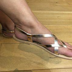 8 beste afbeeldingen van Gladiator sandalen Mode, Kralen