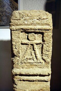 Cagliari, Sardegna. Museo Archeologico Nazionale. Estela funerària púnica amb representació de Tanit