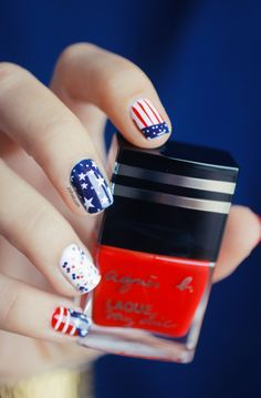 4 th Of July Nail art by Pshiiit