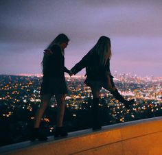 sarah rae mayne and indy blue at the griffith observatory hands couple