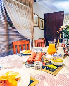 View Old Oak Guest House and all our other Accommodation listings in Cape Town. Cape Town Accommodation, South African Wine, Bed And Breakfast, Table Settings, Relax, Credit Cards, Street, House, Website