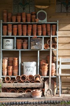 Potting Bench Ideas - Want to know how to build a potting bench? Our potting bench plan will give you a functional, beautiful garden potting bench in no time! shed design shed diy shed ideas shed organization shed plans Potting Bench Plans, Potting Tables, Potting Sheds, Potting Soil, Le Hangar, Décor Antique, Shed Kits, Pot Plante, Backyard Lighting