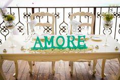 CBV217 Weddings Riviera Maya, Set of Vintage Sweetheart table and 2 chairs , AMORE mint sign /Bodas Set de mesa de novios con sillas y letrero en color menta, todo junto o por separado.