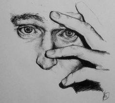 Tom Hiddleston in pen