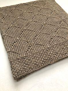 Tunisian Crochet Blanket, Tunisian Crochet Patterns, Crochet Slipper Pattern, Crochet Slippers, Knit Crochet, Knitting Patterns, Crochet Blankets, Crochet Afghans, Loom Knitting
