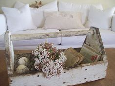 Secret Garden Cottage: A CRUSTY VINTAGE TOOL CADDY and VIBURNUM BLOSSOMS Estilo Shabby Chic, Shabby Chic Decor, Rustic Decor, Old Tool Boxes, Wooden Tool Boxes, Palette Deco, Deco Floral, Vintage Tools, Farmhouse Chic