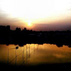 Sizzling Sunset! #Dhaka #bangladesh #beautifulBangladesh #JoyBangla #landscape #urban #pins #instaasia #photography #photooftheday #pics #Asia #SouthAsia #Gulshan #Gulsan