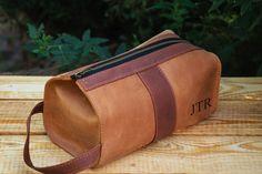Personalized Leather Mens travel case, Toiletry Bag, Dopp Kit, Mens Wash Bag,  Mens Cosmetic Bag, Shaving Dopp Kit, Light brown 487e2b2910