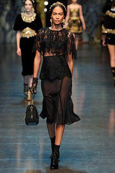 Black lace amazingness: D&G Fall 2012 RTW