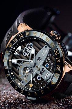 Fantástico de aparência tecnológica, agradável, moderno e de design futurista. Ulysse Nardin Diver Chronograph