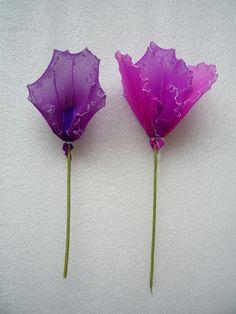 卡特兰(含作法) Nylon Flowers, Paper Flowers, Nylons, Clay Birds, Nylon Stockings, Crafts For Kids, Blog, Silk Stockings, Flower Arrangements